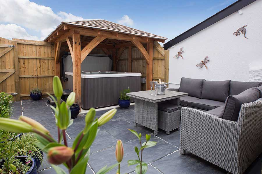 Fabulous Cottages In Devon With Hot Tub Interior Design Ideas Tzicisoteloinfo